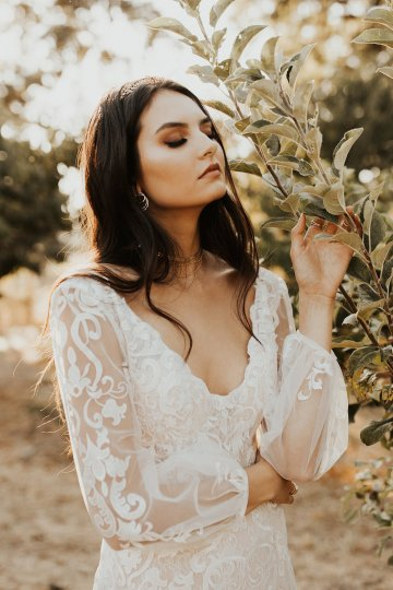 The Luxurious & Bohemian Ember Dusk Spring 2018 Collection from Tara Lauren | Anni Graham 35