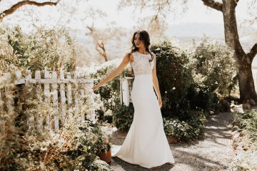 The Luxurious & Bohemian Ember Dusk Spring 2018 Collection from Tara Lauren | Anni Graham 62