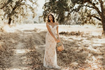 The Luxurious & Bohemian Ember Dusk Spring 2018 Collection from Tara Lauren | Anni Graham 64