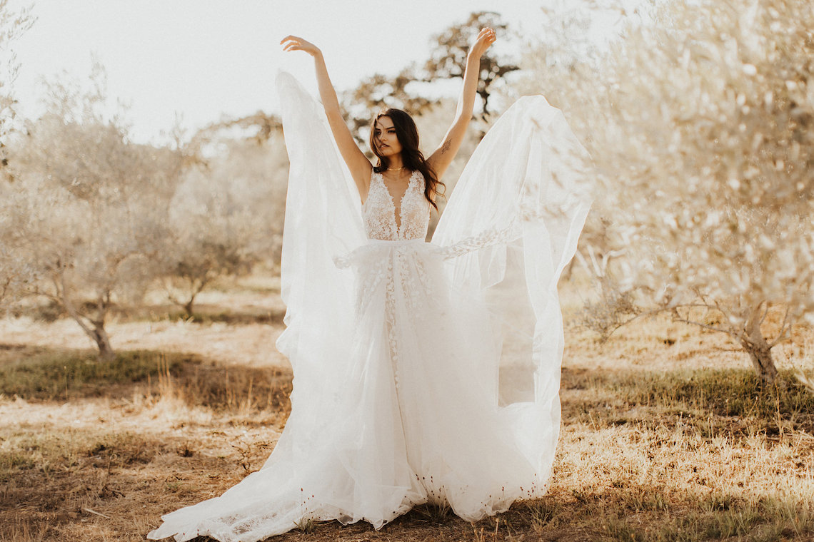 The Luxurious & Bohemian Ember Dusk Spring 2018 Collection from Tara Lauren | Anni Graham 70