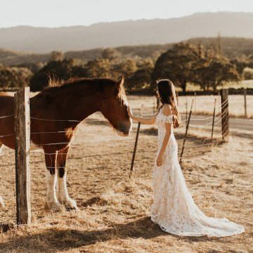 The Luxurious & Bohemian Ember Dusk Spring 2018 Collection from Tara Lauren | Anni Graham 71