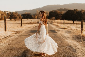 The Luxurious & Bohemian Ember Dusk Spring 2018 Collection from Tara Lauren | Anni Graham 72