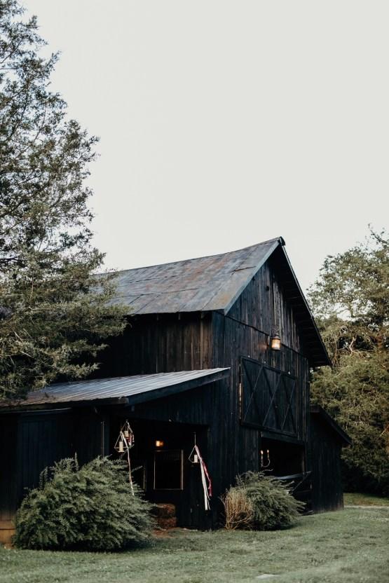 Cool Pampas Grass Wedding With Deep Berry Tones | Cedarwood Weddings 67
