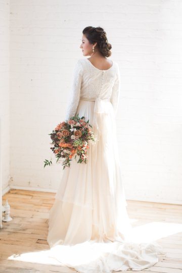 Light & Modern Wedding Inspiration With Cool Modest Gowns | Sons and Daughters Photography 33