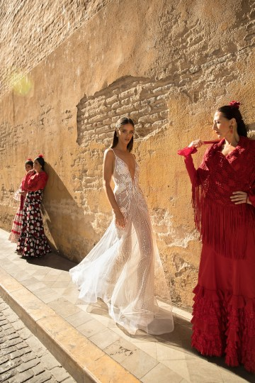World Exclusive: The Sparkling Berta Fall 2018 Seville Collection 46