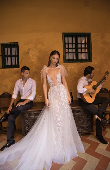 World Exclusive: The Sparkling Berta Fall 2018 Seville Collection 48