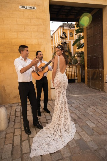 World Exclusive: The Sparkling Berta Fall 2018 Seville Collection 53