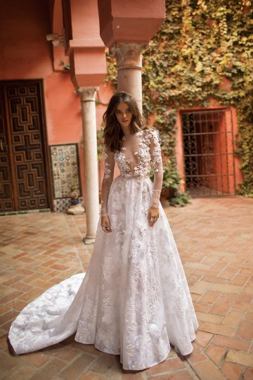 World Exclusive: The Sparkling Berta Fall 2018 Seville Collection 64