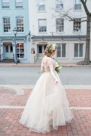 Gorgeous Buttercream & Ivory Wedding Inspiration | Anna + Mateo 22