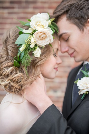 Gorgeous Buttercream & Ivory Wedding Inspiration | Anna + Mateo 4