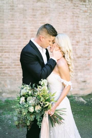 Luxurious Green & Gold Wedding Inspiration | Saje Photography 18