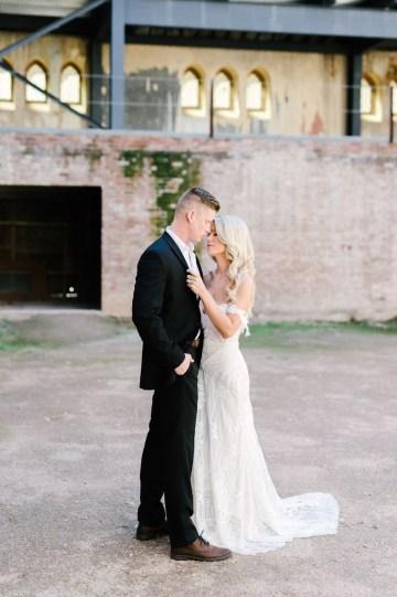 Luxurious Green & Gold Wedding Inspiration | Saje Photography 2
