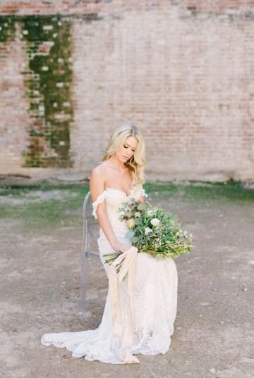Luxurious Green & Gold Wedding Inspiration | Saje Photography 21