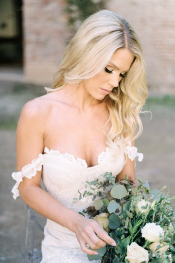 Luxurious Green & Gold Wedding Inspiration | Saje Photography 22