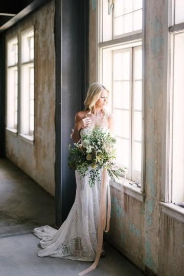 Luxurious Green & Gold Wedding Inspiration | Saje Photography 23