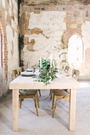Luxurious Green & Gold Wedding Inspiration | Saje Photography 31