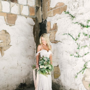 Luxurious Green & Gold Wedding Inspiration | Saje Photography 35