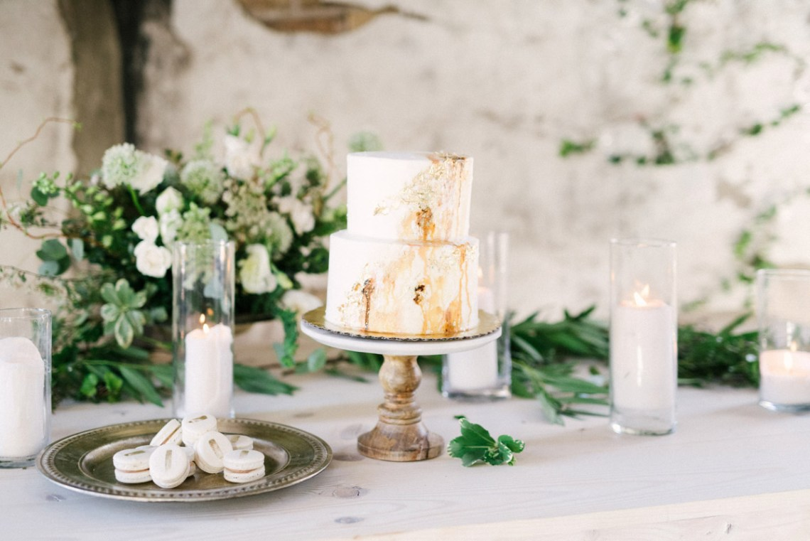 Luxurious Green & Gold Wedding Inspiration | Saje Photography 51