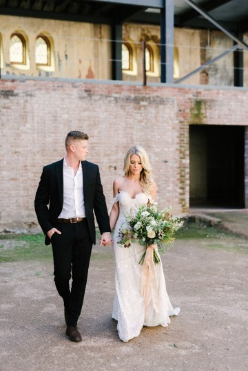 Luxurious Green & Gold Wedding Inspiration | Saje Photography 8