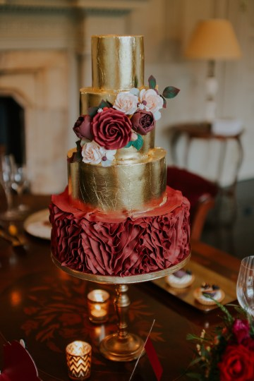 Luxurious Red & Green Wedding Inspiration Featuring A Glam Black Gown | Jamie Sia Photography 15