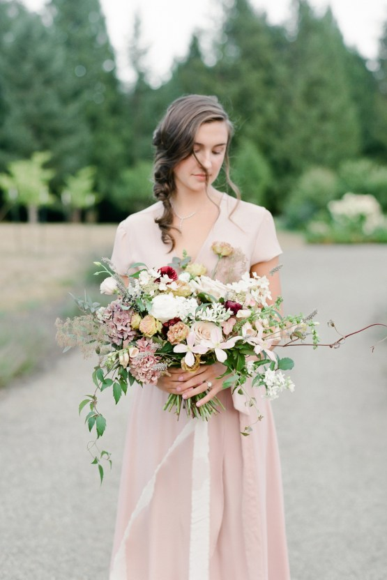 5 Tips For Creating A Budget-Friendly Wedding Bouquet | Jeanni Dunagan 23