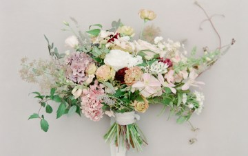 5 Tips For Creating A Budget-Friendly Wedding Bouquet