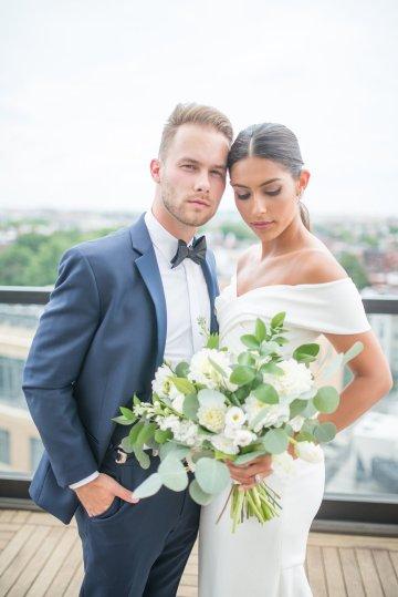 Classy Modern Rooftop Wedding Inspiration | Anna + Mateo Photography 34