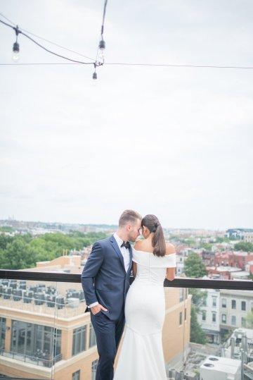 Classy Modern Rooftop Wedding Inspiration | Anna + Mateo Photography 9