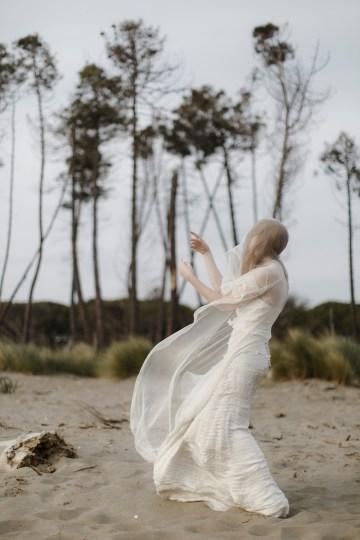Driftwood & Seagrass, Seaside Boho Wedding Inspiration | Monica Leggio 24