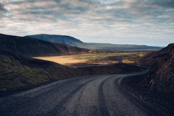 Iceland Lovers Roadtrip; An Adventurous Honeymoon Guide | Maximilian Photography 9