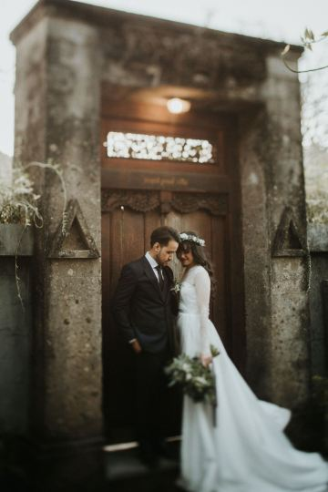 Modern & Hip Bali Wedding Featuring Sparklers & Flower Crowns | Iluminen Photography 43