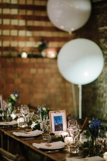Underground Gallery Wedding In London With Cool, Flashy Signage | Studio 1208 Photography 36