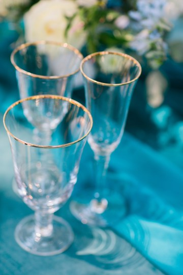 Vibrant Ocean Blue Watercolor Wedding Inspiration | Lola Event Productions | Artistrie Co. 14