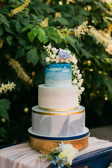 Vibrant Ocean Blue Watercolor Wedding Inspiration | Lola Event Productions | Artistrie Co. 34