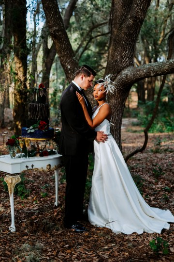 Woodsy Jewel-Toned Wedding Ideas (With A Circle Arch!) | Grind & Press Photography 34