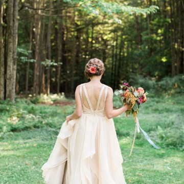 Colorful Vermont Lodge Wedding (With Sparkler Magic!) | Molly Lichten Photography 24