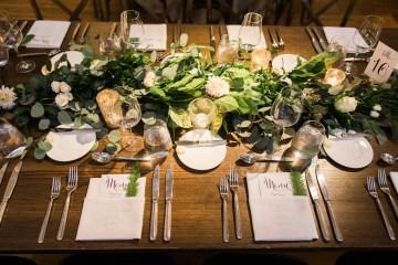 Gorgeous Chicago Ivy Room Wedding | Kristin La Voie Photography 12