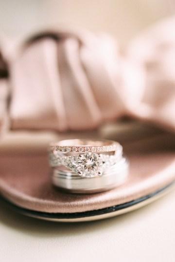 Gorgeous Chicago Ivy Room Wedding | Kristin La Voie Photography 18