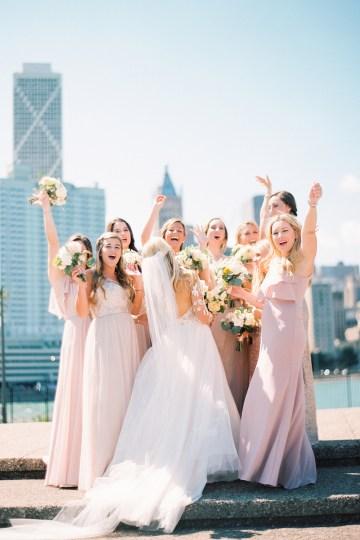 Gorgeous Chicago Ivy Room Wedding | Kristin La Voie Photography 36