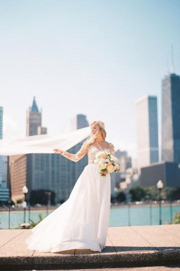 Gorgeous Chicago Ivy Room Wedding | Kristin La Voie Photography 39