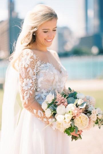 Gorgeous Chicago Ivy Room Wedding | Kristin La Voie Photography 40