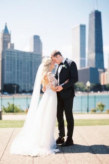 Gorgeous Chicago Ivy Room Wedding | Kristin La Voie Photography 45