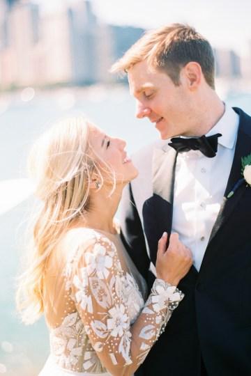 Gorgeous Chicago Ivy Room Wedding | Kristin La Voie Photography 50