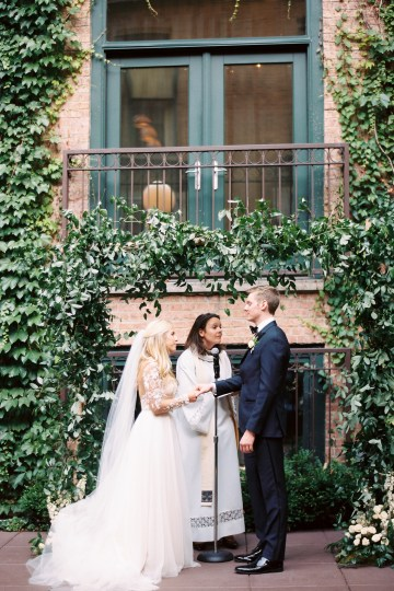 Gorgeous Chicago Ivy Room Wedding | Kristin La Voie Photography 60