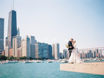 Gorgeous Chicago Ivy Room Wedding | Kristin La Voie Photography 9