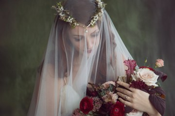 Rose Gold; Romantic Wedding Ideas With Stunning Headpieces | Flavelle & Co 5