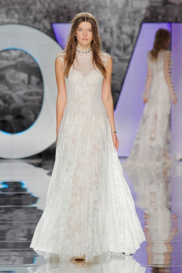 The Sexy & Embellished New Yolan Cris Wedding Dress Collections   KIBO (3)