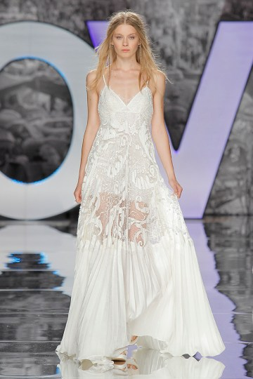 The Sexy & Embellished New Yolan Cris Wedding Dress Collections   MAOU (1)