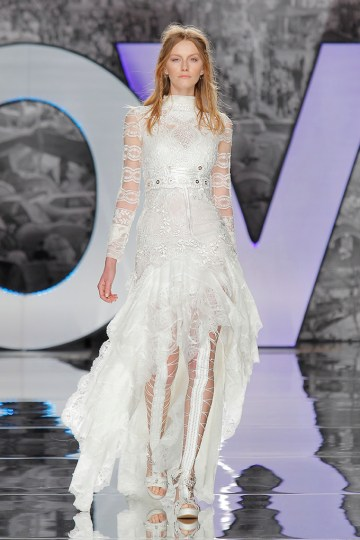 The Sexy & Embellished New Yolan Cris Wedding Dress Collections | POBEDA BLOUSE AND DRESS