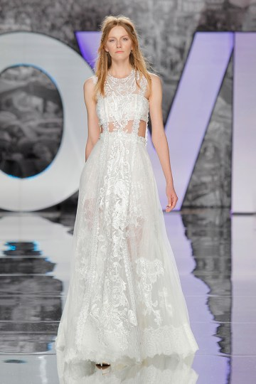 The Sexy & Embellished New Yolan Cris Wedding Dress Collections | RIMAIA (2)